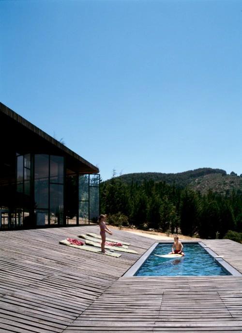 Ffffound designed for life best of imgur tumblr for Life of pi swimming pool